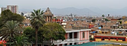 Grüne Oase zwischen Staub und Abgasen - Lima